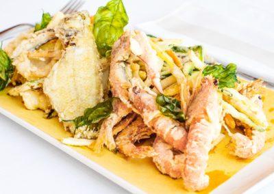 Fritto misto dell' Adriatico con verdure dell'orto